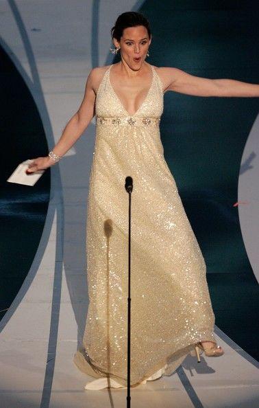 Jennifer Garner Slipping And Sliding
