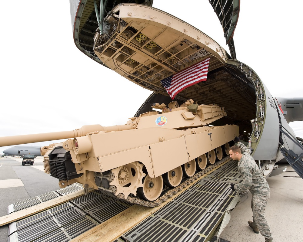 Planes That Carry Heavy Military Tanks