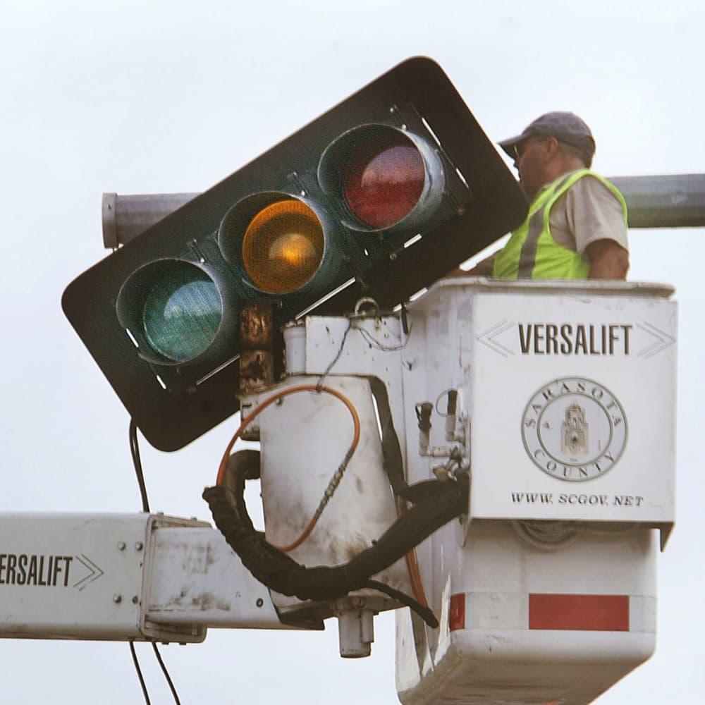 A Traffic Light Vs. An Average Human