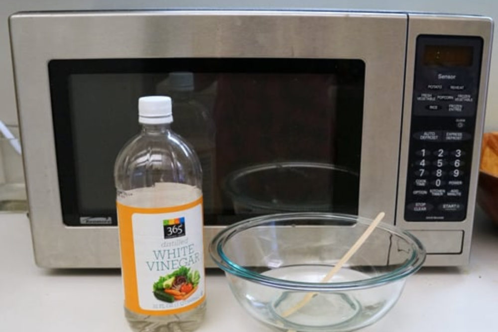 Clean The Microwave In No Time