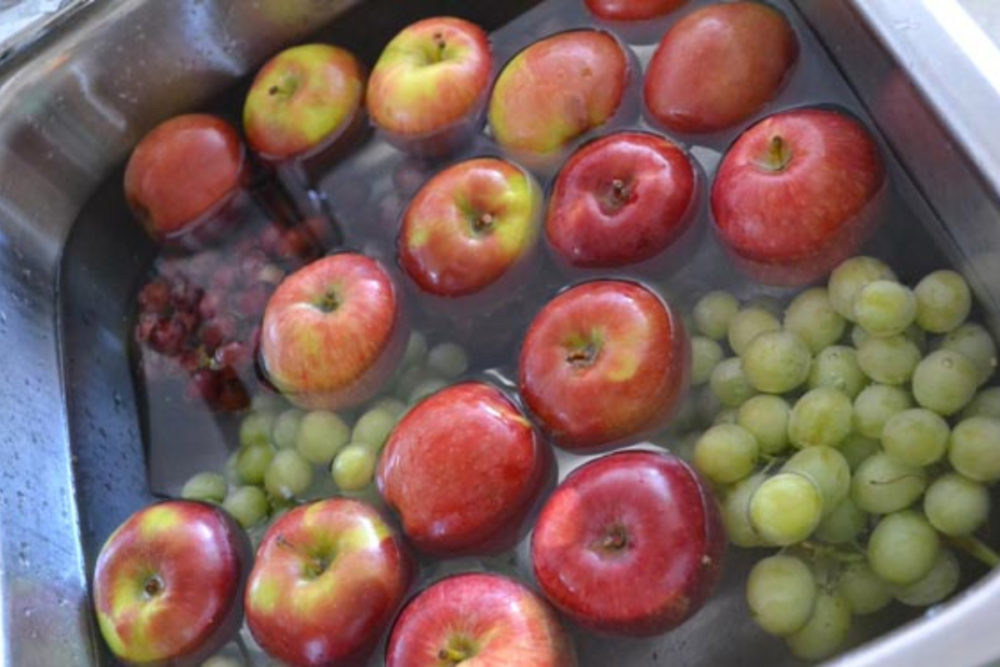 Clean Fruits To Make Them Last Longer